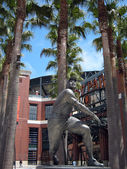 Willie Mays Statue in front of AT&T Park — Stok fotoğraf