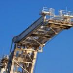 Lifting arm of Large crane — Stock Photo #24031589
