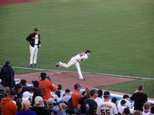 Giants Pitch Tim Lincecum throws pitch in the bullpen as he warm — Stockfoto