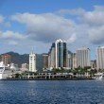 Aloha Tower, Boats, Market, harbor and Downtown Honolulu — Stock Photo
