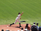 Giants Pitch Matt Cain steps forward to throw pitch on the mound — Stock fotografie