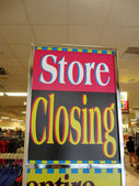 Store Closing sign inside Downtown Honolulu Macy — Stock Photo