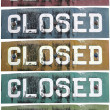 Retro metal closed signs in different colours — Stock Photo