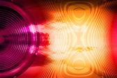 Alto-falante colorido com ondas sonoras — Fotografia Stock