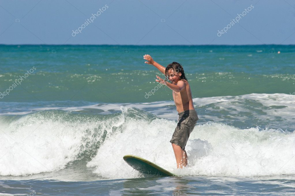 Learning to Surf 02 � Stock Photo � Undy-Bumgrope #3876342