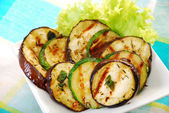Salad with grilled aubergine and zucchini — Stock Photo