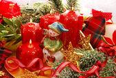 Juldekoration med snögubbe och ljus — Stockfoto