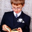 Boy going to the first holy communion - 图库照片