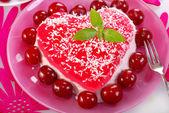 Heart shape cherry cake — Stock Photo