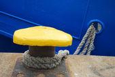 Mooring bollard with rope — Stock Photo