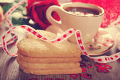 Coffee and heart shaped cookies for valentine in vintage style — Stock Photo