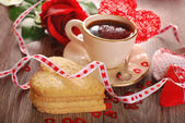 Coffee and heart shaped cookies for valentine — Foto de Stock