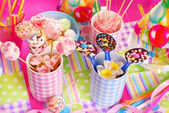 Birthday party table with sweets for kids — 图库照片