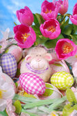 Easter decoration with fresh tulips — Stock Photo