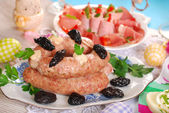 White sausage with prunes for easter — Stock Photo