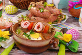 White borscht with rolled ham on skewer for easter — Zdjęcie stockowe