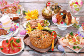 White borscht in bread and other dishes for easter — Stok fotoğraf