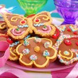 Butterfly and flower shaped gingerbread cookies — Stock Photo #49307547