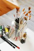 Tintas e pincéis — Foto Stock