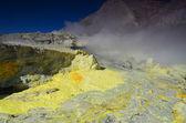 «Белый остров». поверхность кратера действующего вулкана. Новая Зеландия. — Стоковое фото