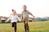 Siblings playing — Stock Photo