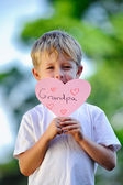 Child holding heart — Stock Photo