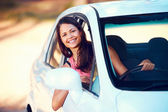 Roadtrip woman happy — Stock Photo