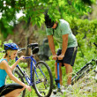 Mountain bike trouble — Stock Photo