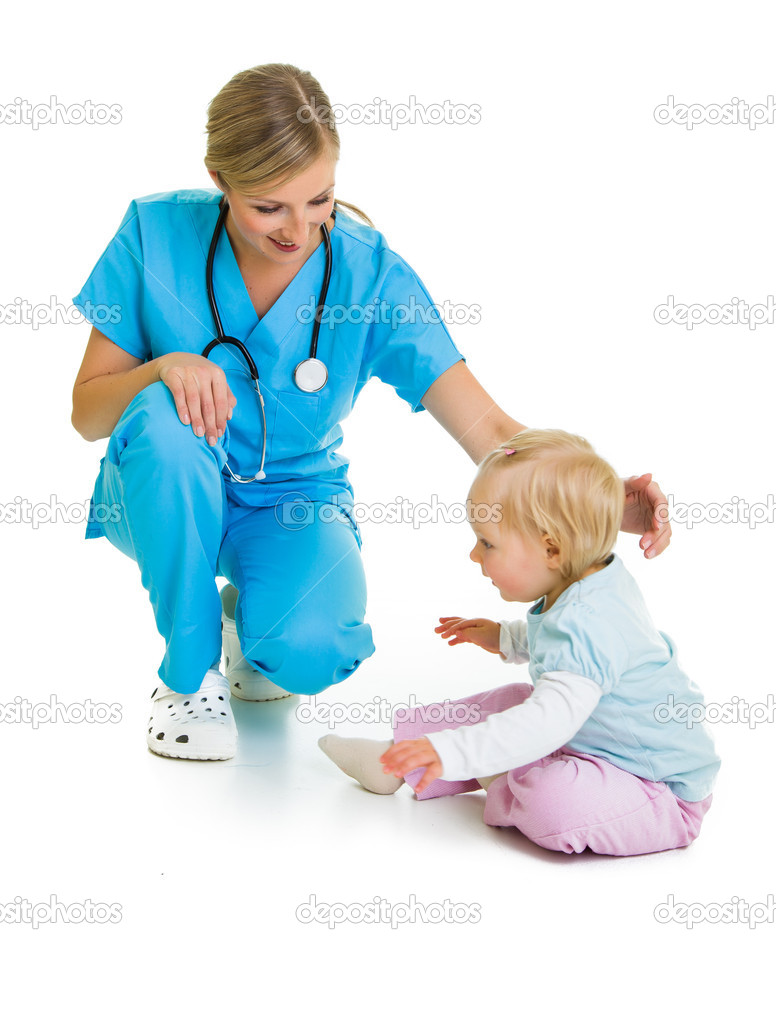 Doctor with toddler child isolated on white — Stock Photo #14247069