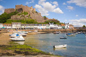 Gorey and Mont Orgueil Castle in Jersey — Stock Photo