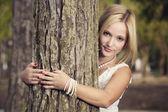 Embracing a tree — Stock Photo
