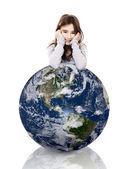 Holka na planetě zemi — Stock fotografie