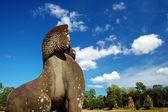 Estátua de leão enfrentando os prasat suor prats — Foto Stock