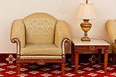 アンティーク スタイルのソファ — ストック写真