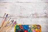 Pinceles y pintura acuarela — Foto de Stock
