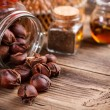 Foto Stock: Sweet roasted chestnuts