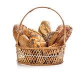 Brood in rieten mand — Stockfoto