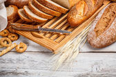 Hele tarwe brood — Stockfoto