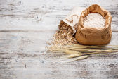Flour and oat flakes — Stock Photo