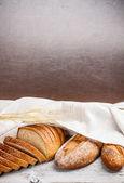 Chleb pełnoziarnisty świeży — Zdjęcie stockowe