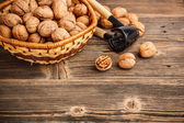Nuts and nutcracker — Stock Photo