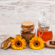 Still life of honey — Stockfoto