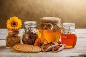 Bal ve polenhoning en stuifmeel — Stok fotoğraf