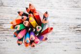 Çeşitli renk kalemler — Stok fotoğraf
