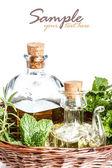 Hierbas y aceite de oliva — Foto de Stock