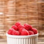 Fresh raspberries — Stock Photo #27926555