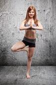 Ejercicio de yoga — Foto de Stock