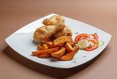 Muslos de pollo a la brasa — Foto de Stock
