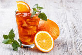 Cold ice tea — Stock Photo