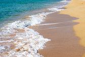 Waves crushing at the beach — Stock Photo